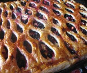 Ягодный пирог из слоеного теста, Сладкая выпечка
