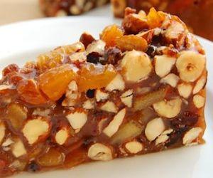 Медовый торт с орехами и цукатами, Сладкая выпечка
