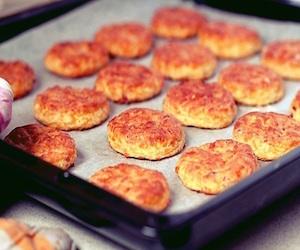 Печенье с беконом и сыром, Несладкая выпечка