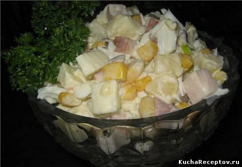 Салат с ананасами и кукурузой